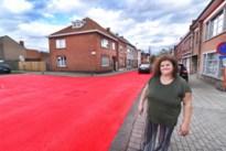 """Ook Kuringen kleurt rood door fietsstraten: """"Alleen mijn tuin is niet rood"""""""