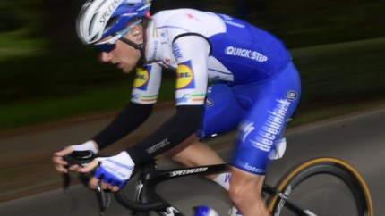 Hammenaar Jasper Philipsen op de valreep geremonteerd door Bennett in Vuelta