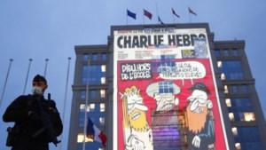 Charlie Hebdo zet spotprent over Erdogan op cover