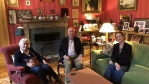 Koning Albert en koningin Paola hebben prinses Delphine ontmoet