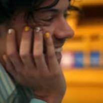 Harry Styles maakt in nieuwe videoclip indruk met manicure