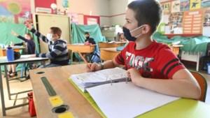 """Drie keer zoveel leerlingen besmet in maand tijd: """"Verlengde herfstvakantie komt op juiste moment"""""""
