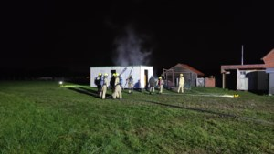 Mobiele hobunit uitgebrand in Eksel<BR />