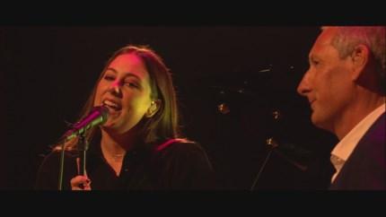 Primeur in Vlaanderen: Gert Verhulst en dochter Marie zingen pakkend duet