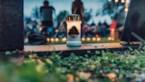 QR-codes in plaats van livemuziek op het kerkhof tijdens 'Reveil'