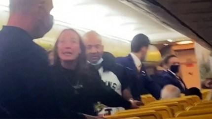 Stewards moeten ingrijpen wanneer vechtpartij uitbreekt op vliegtuig van Ryanair