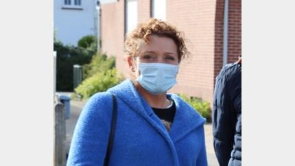 Minister Lydia Peeters voelt zich al beter na coronabesmetting