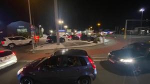 Schrik voor de lockdown? Massaal aanschuiven bij Limburgse fastfoodrestaurants