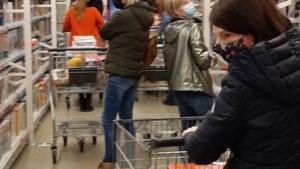 Drukte in speelgoedwinkels door dreigende lockdown: Sint wil nog snel shoppen