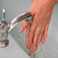 Dit doen we beter met ringen als we onze handen wassen