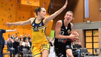 Splitsing van eerste klasse basketbal bij de vrouwen in de maak