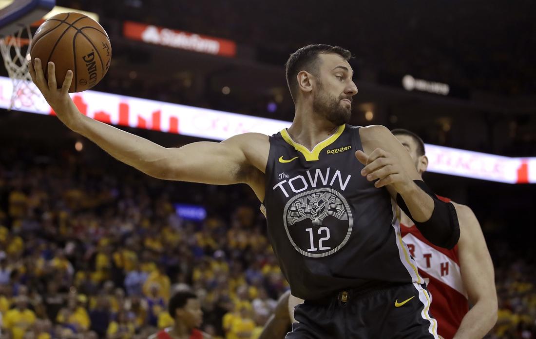"""Australische basketveteraan Andrew Bogut zet punt achter loopbaan: """"Geen makkelijke beslissing"""""""
