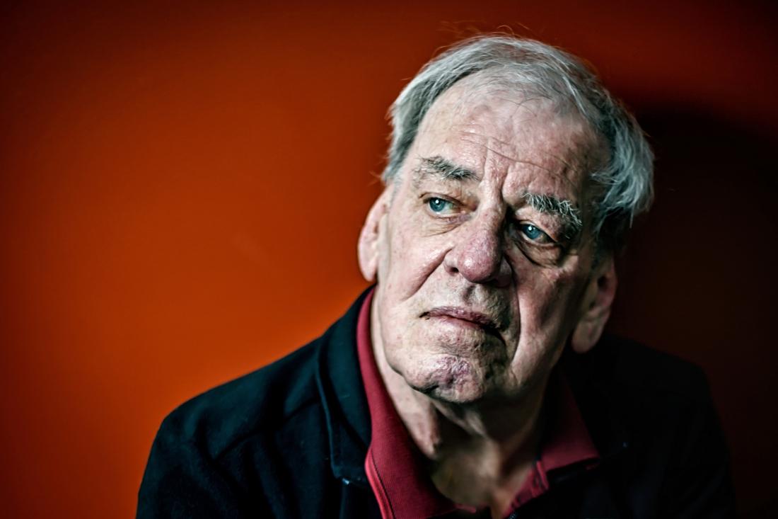 """Jeroen Brouwers wint Librisprijs: """"Hilarisch, ontroerend, griezelig én ontluisterend"""""""