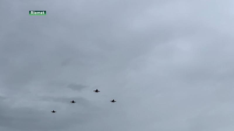 F16's brengen indrukwekkend eerbetoon in Riemst