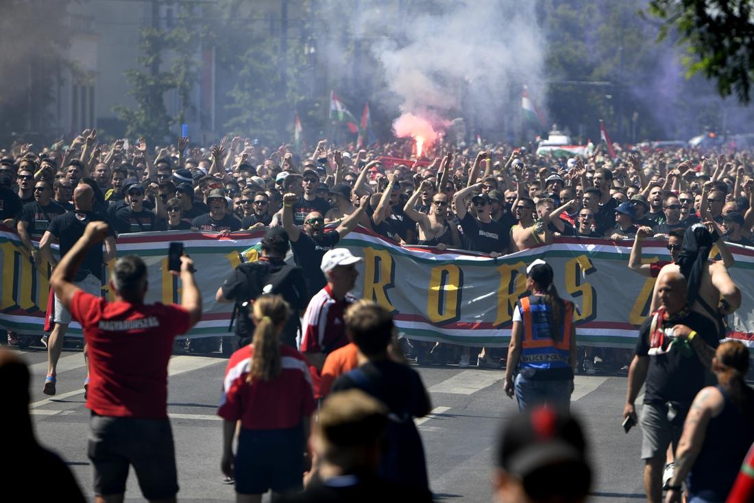 Van corona plots geen sprake in Boedapest: 67.000 (!) supporters van Hongarije en Portugal palmen de straten in