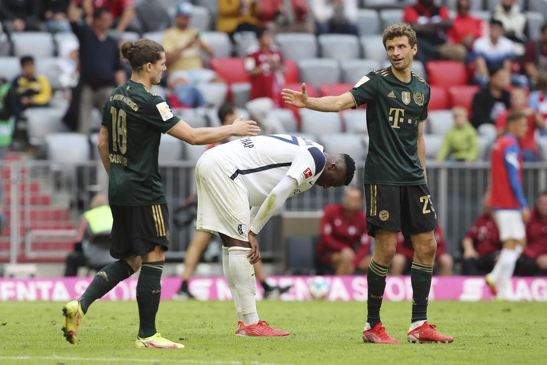 Bayern München veegt vloer aan met promovendus Bochum