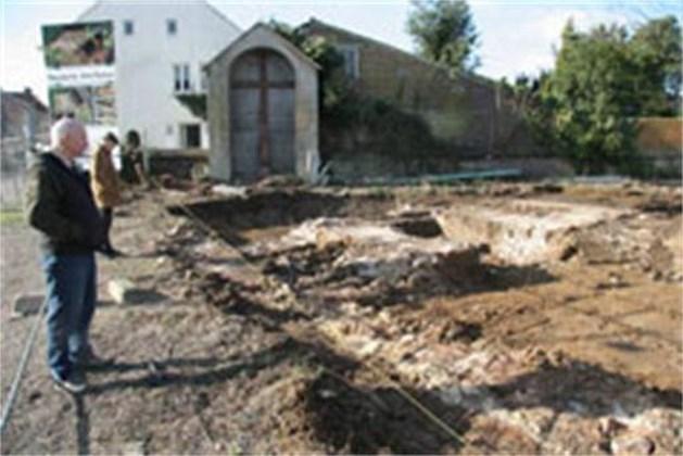 Oude kerk Lanklaar weer aan oppervlakte