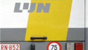 Zwartrijder geeft buschauffeur kopstoot