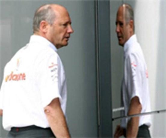 Zit McLaren achter nazi-seksschandaal Mosley?