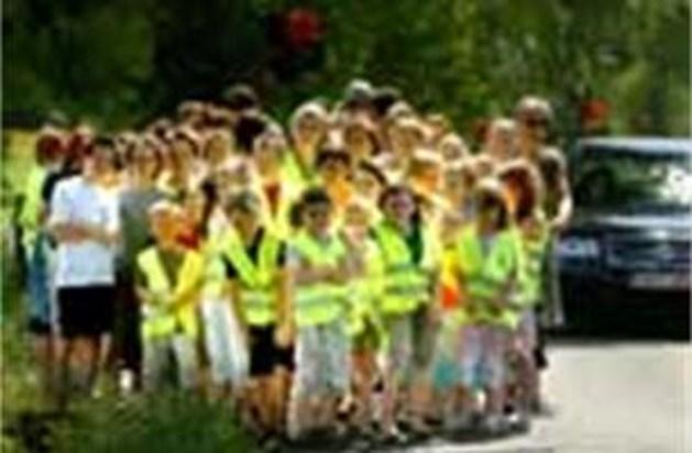 Protest van school tegen onveilige Ranonkelstraat