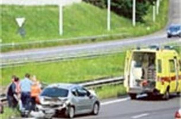 Ongeval met drie wagens op E313 in Diepenbeek