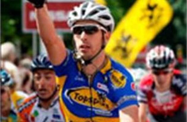 Kenny Dehaes wint verrassend eerste rit Ronde van België