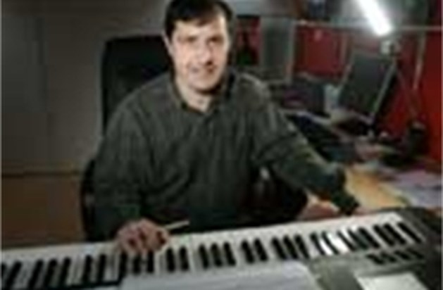 Hasselaar Ludo Claesen dirigeert Vlaams Radiokoor
