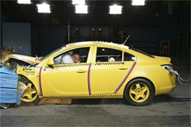 Opel Insignia krijgt vijf sterren in Euro NCAP-crashtests
