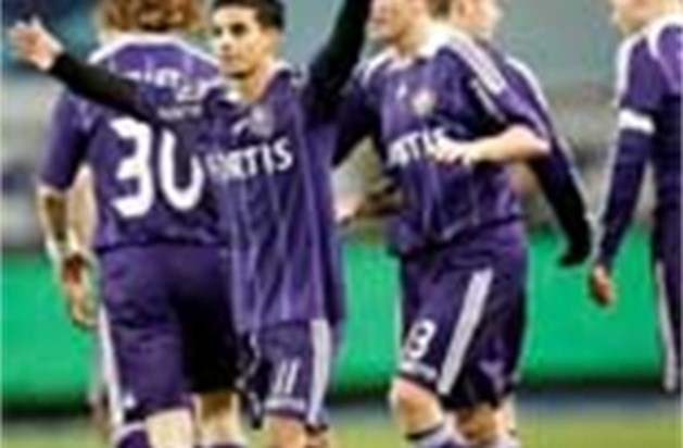Anderlecht zet Club onder druk na 5-1-zege tegen Tubeke