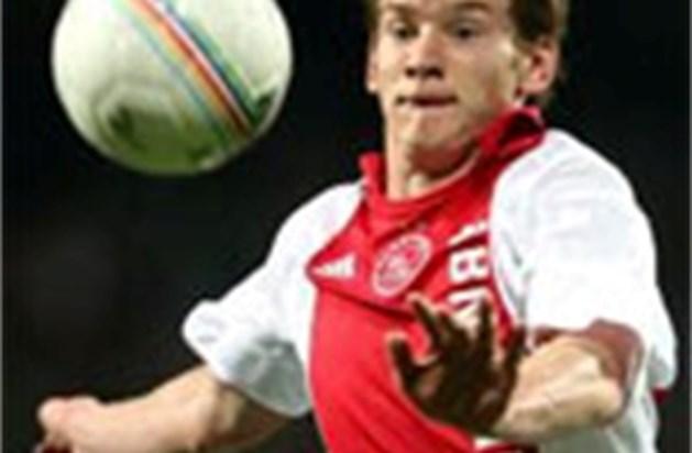 Jan Vertonghen kopt Ajax voorbij Volendam