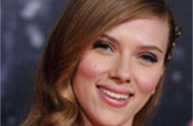 Scarlett Johansson veilt gebruikte zakdoek