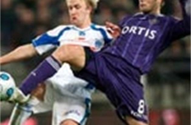 Anderlecht klopt slap Racing Genk met 2-0