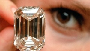 Diamonds are a girl's best friend, maar niet in crisistijden
