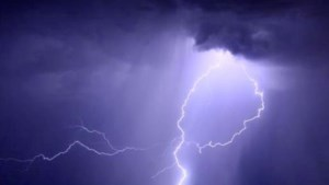 Onweer zorgt voor schade en mogelijk moeilijke ochtendspits