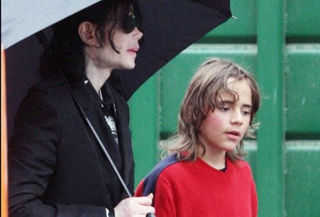 """""""Dokter dwong 12-jarige Prince te kijken hoe vader Michael stierf"""""""
