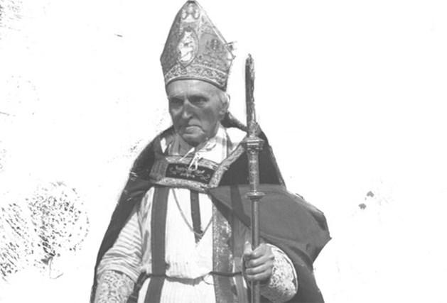 Speurders openen graf kardinaal Mercier met drilboor