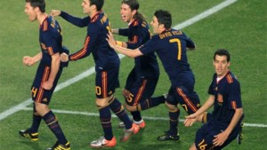 David Villa schiet zwak Spanje naar halve finale