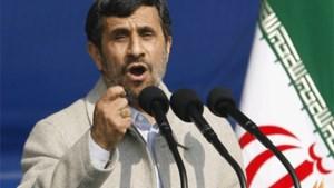Ahmadinejad overleeft bomaanslag