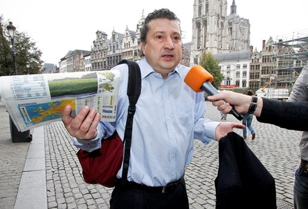 Ludo Van Campenhout denkt na over politieke toekomst