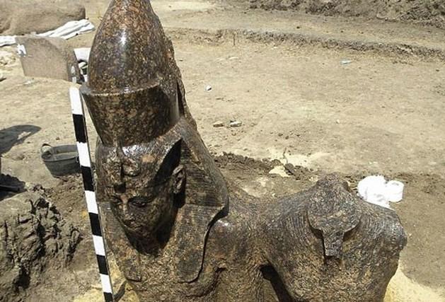 3.400 jaar oud beeld farao Amenhotep III gevonden