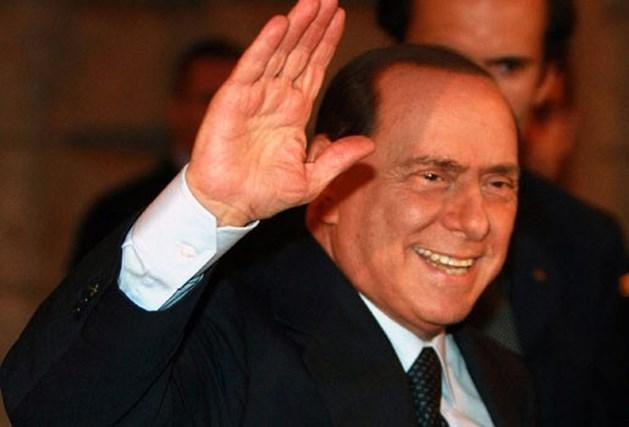 Berlusconi met aangebrande jodenmop