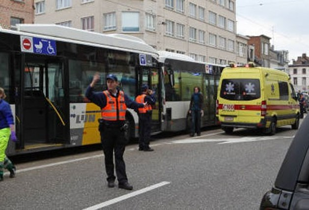 Zes gewonden bij ongeval met Lijnbussen in Merksem