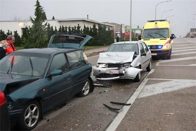 Zeven gewonden bij kop-staartbotsing in Sint-Truiden