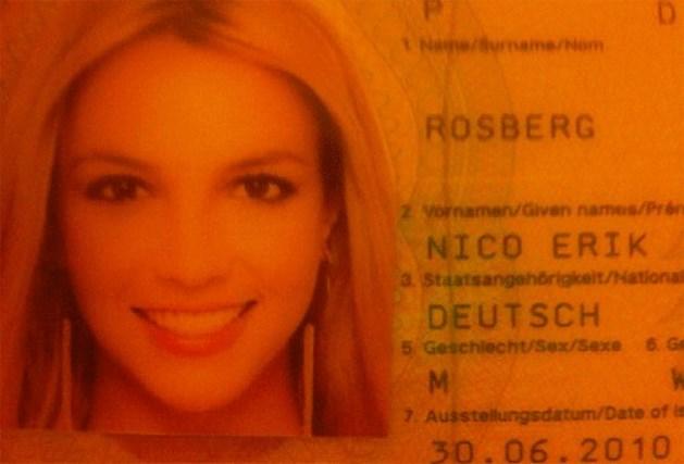 Nico Rosberg meldt zich aan met 'Britney-paspoort'