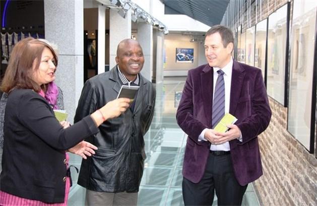 Zuid-Afrikaanse minister op bezoek in De Velinx