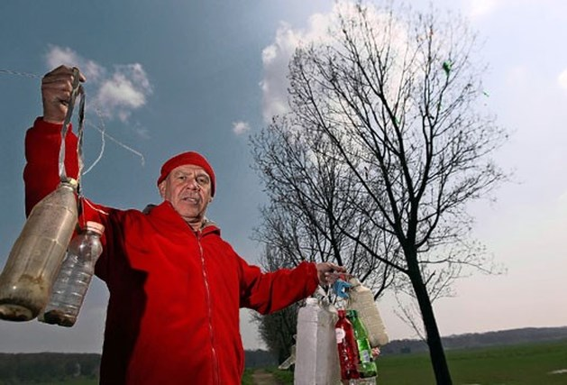Afvalkunstenaar wil met verhakselaar meerijden in Hasseltse carnavalstoet