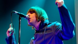 Liam Gallagher met Beady Eye in AB (video)