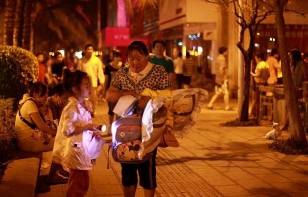 Al 60 doden bij aardbeving Birma