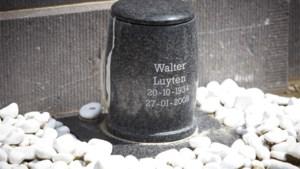 Grafschenners prutsen urne VU-senator Luyten open