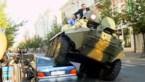 Litouwse burgemeester rijdt met tank over Mercedes (video)
